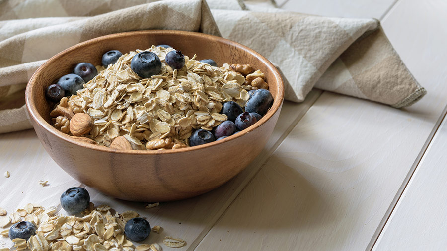 Overnight Oats: No-Cook Blueberry-Almond Oatmeal