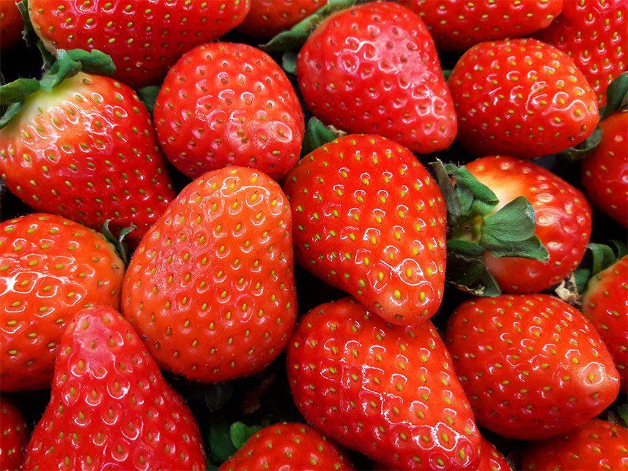 Strawberry Cream Popsicles